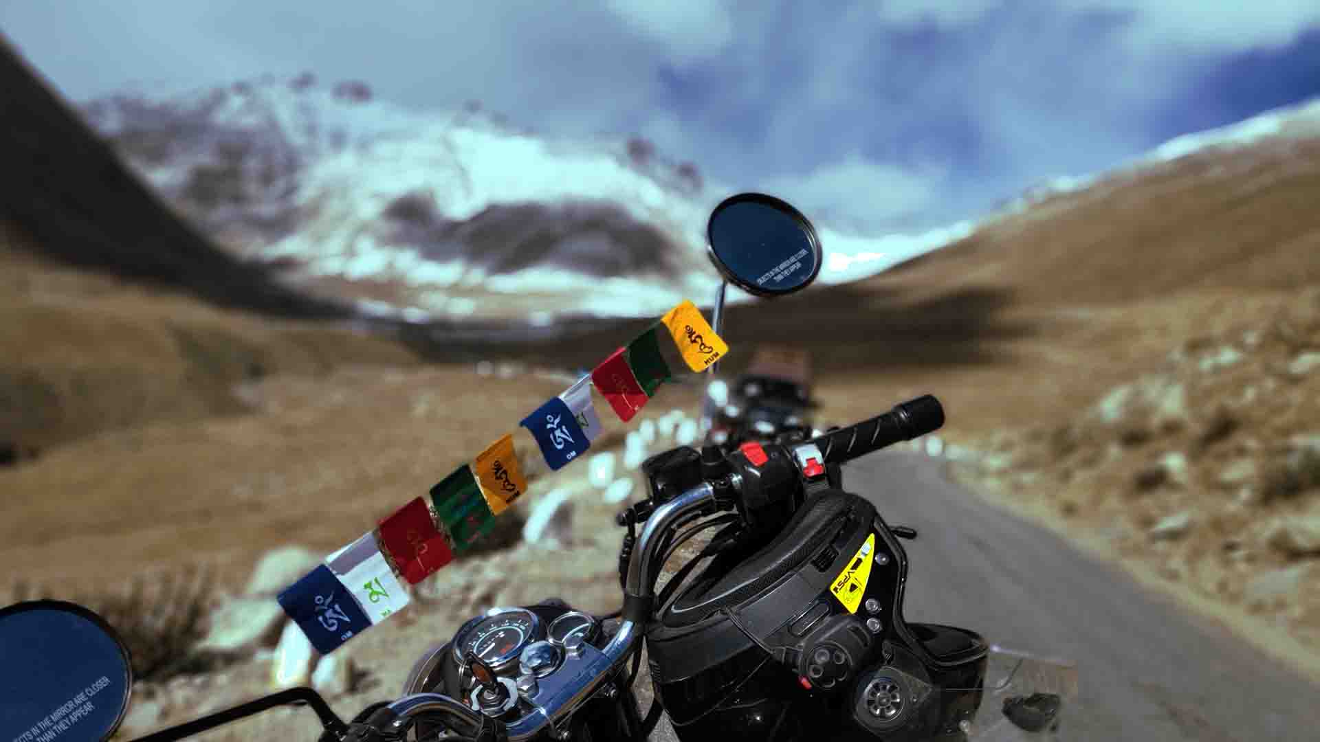 Motorcycle-tours-in-himalayas-leh-india